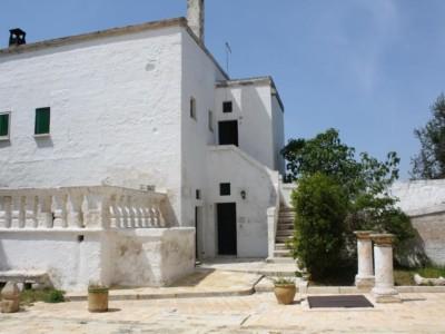 Masseria-Maccarone-Puglia-3-1024x683